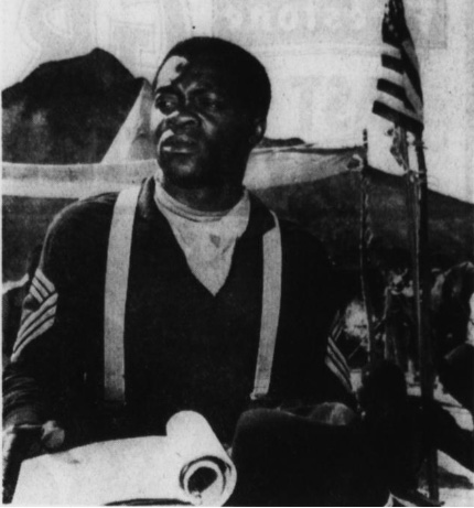 Yaphet Kotto es el Sgt. Mayor Creason en  The Buffalo Soldiers